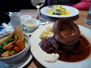 Now that's what I call a Sunday lunch. It's got everything!