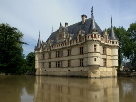 The fairytale chateau of Azay-le-Rideau. I could live here.